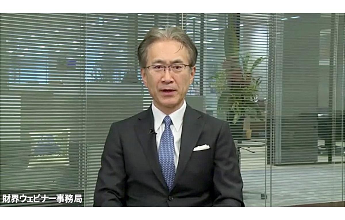 贈呈式に参加する吉田憲一郎氏